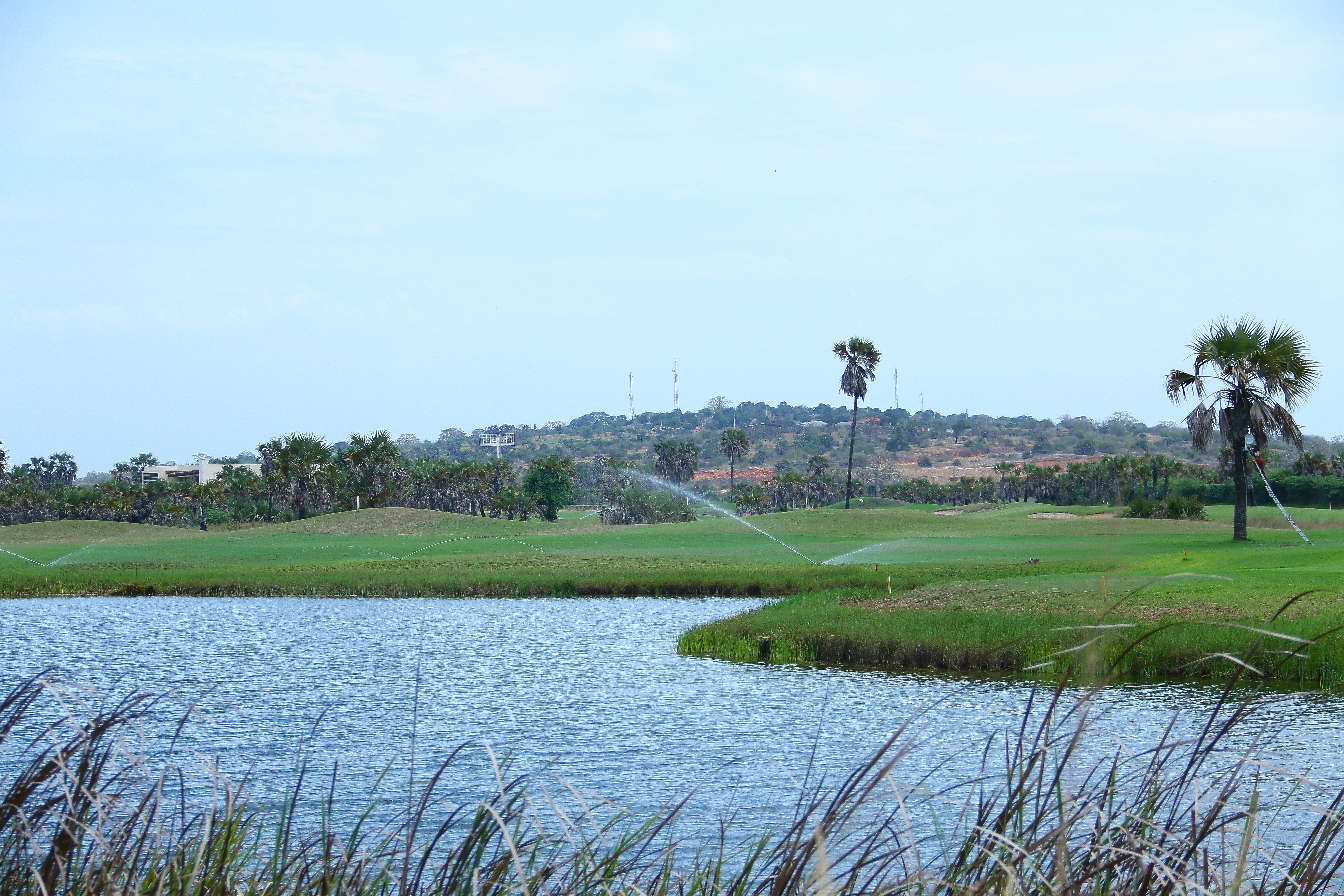 Vista Parcial Do Mangais Golf Resort  Em Luanda